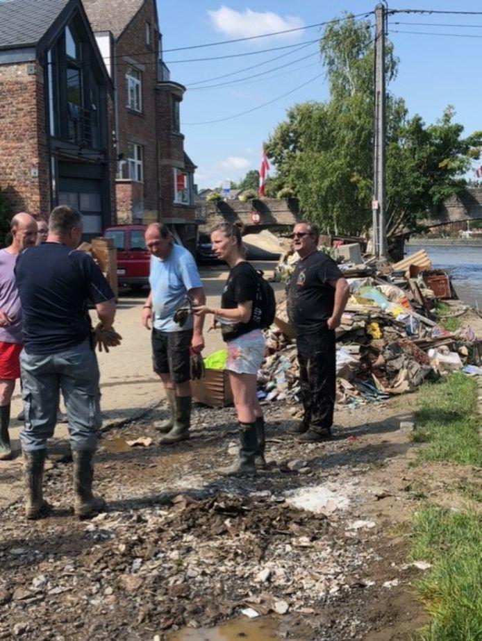 Er werd hard gewerkt om de getroffen bewoners daar te helpen.