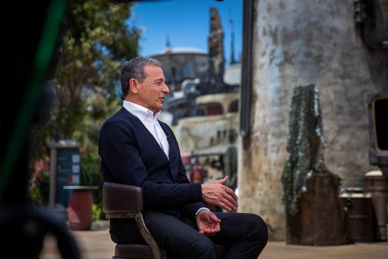 Bob Iger, CEO van The Walt Disney Company, geeft interviews in het nagelnieuwe Galaxy's Edge, een op Star Wars geïnspireerde themazone in Disneyland, Anaheim. Beeld Los Angeles Times via Getty Imag