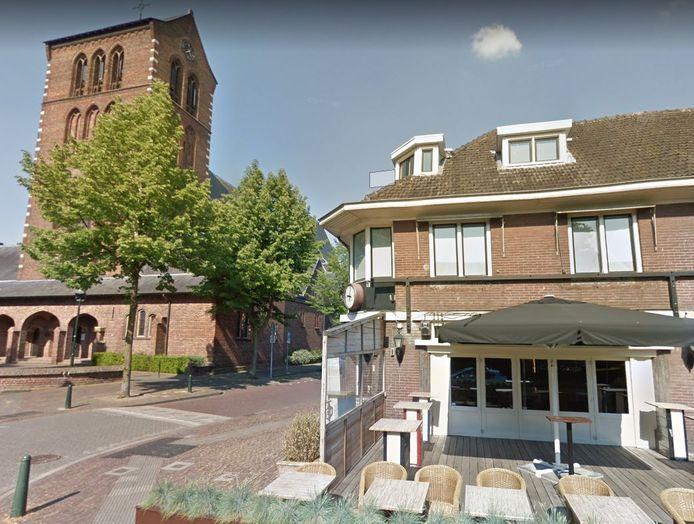 Café Koosje heeft de Joanneskerk als buur