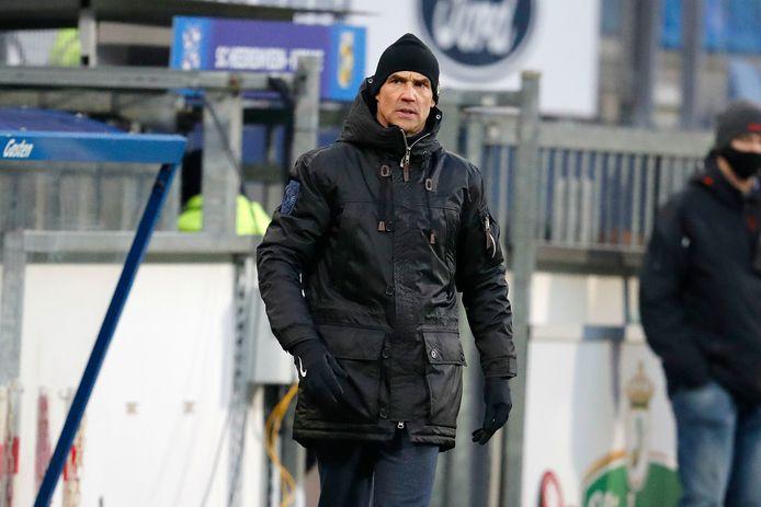 Thomas Letsch kan de eerste buitenlandse trainer van Vitesse worden sinds het seizoen 1956/57  die de halve finales van het bekertoernooi bereikt.