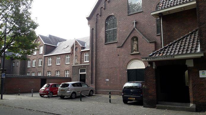 Exterieur Stadsklooster San Damiano Den Bosch.