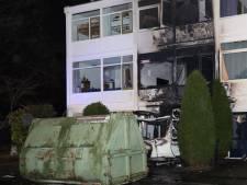 Caravanbrand in Uden overgeslagen naar woning: huis onbewoonbaar en ook buren hebben schade