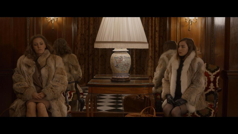 De Netflix-film 'Madame Claude' neemt je mee in de wereld van de prostitutie in de sixties en seventies in Frankrijk. Beeld Netflix
