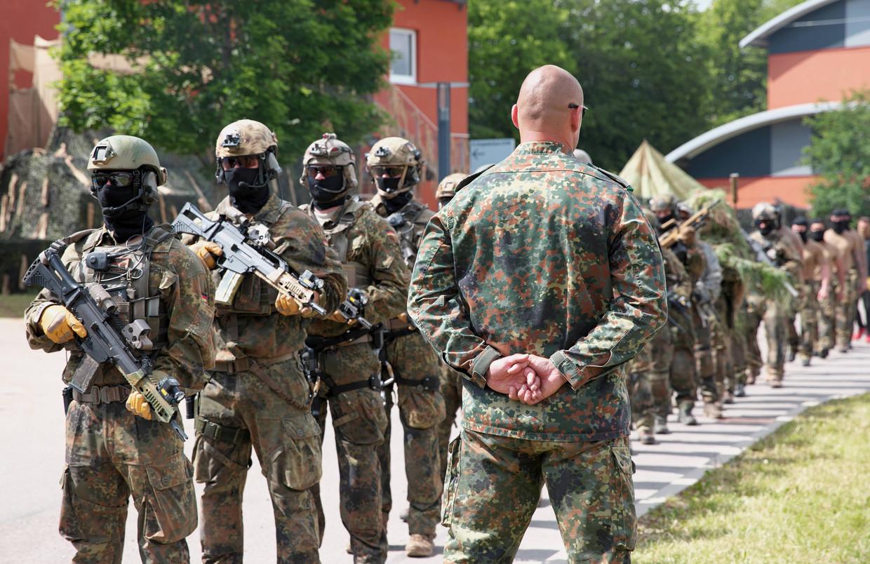 In de Duitse elite-eenheid Kommando Spezialkräfte (KSK) zijn sinds 2017 vijftig soldaten verdacht van rechts-extremistische activiteiten.  Beeld BELGAIMAGE