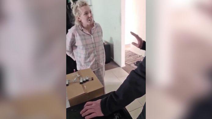 De zwangere vrouw stond versteld. Zoe-Lee Buhler wist niet dat ze iets illegaals had gedaan.
