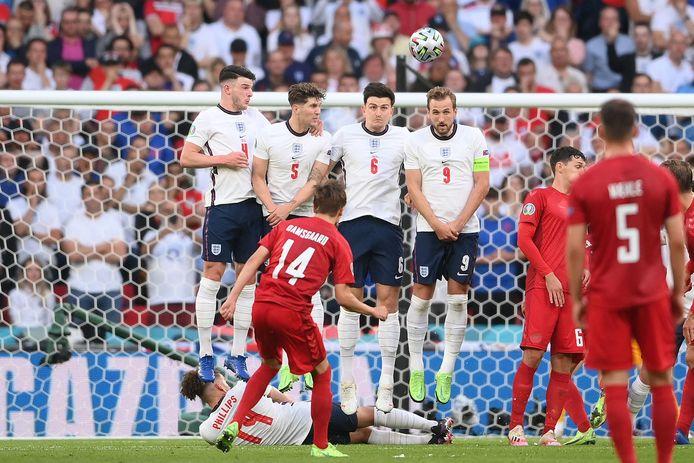 Mikkel Damsgaard maakte uit een prachtige vrije trap de 0-1.