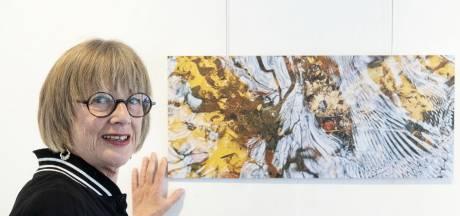 Enschedese kunstenaar Marion Bouwhuis vindt inspiratie in Twentse beekjes
