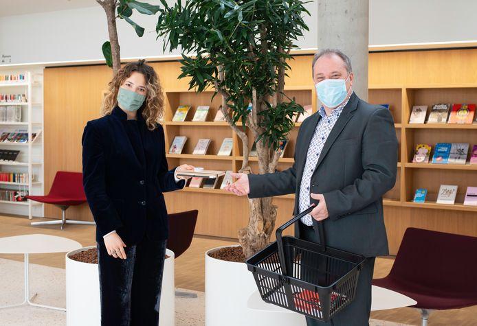 Schepen Dirk Philips zag dat het nieuwe bibliotheeksysteem gelanceerd werd in de bib van Zaventem.