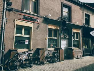 """Iconisch café De Geniepegen Drauk stopt ermee: """"Met spijt in het hart"""""""