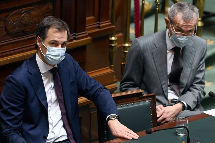 Le Premier ministre Alexander De Croo et le ministre fédéral de la Santé Frank Vandenbroucke