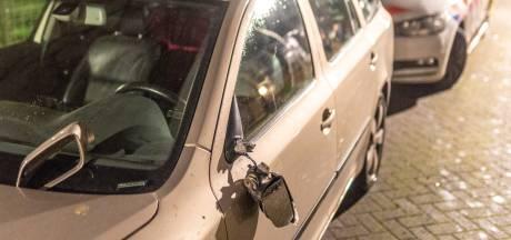 Man die acht geparkeerde auto's in zijn buurt sloopte, deed dat in 'opdracht van God en de duivel'