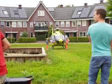 Traumahelikopter landt midden in woonwijk voor medisch incident in Raalte