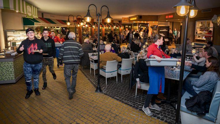 Het ABC Restaurant in Velp, een formule voor onbeperkt eten en (non-alcoholisch) drinken Beeld Rink Hof
