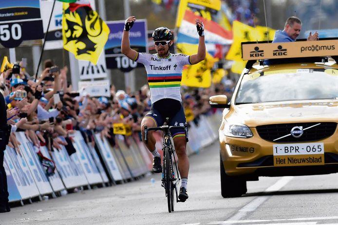 Peter Sagan wint de Ronde van Vlaanderen in 2016.