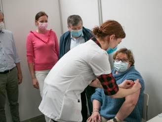 Tien vaccinatiedagen in 't Bau-huis voor 65-plussers en nieuwe 12-jarigen
