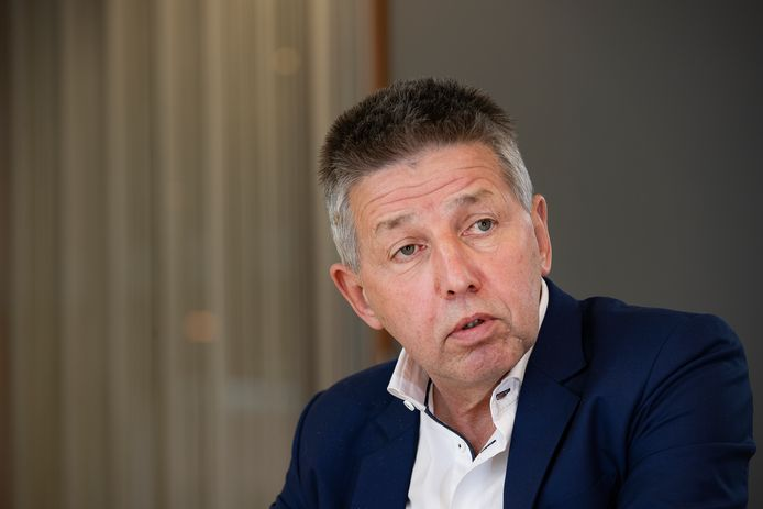 Wethouder Tonny Meulensteen (ruimtelijke ordening/huisvesting, CDA) hoopt in overleg met collega's van buurgemeenten toch meer woningen te kunnen bouwen in Laarbeek.