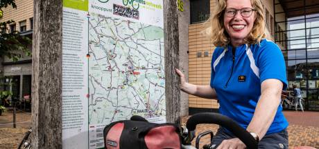Fietsexpert Monique over de routes in Raalte: 'Die pijltjes moeten écht groter'