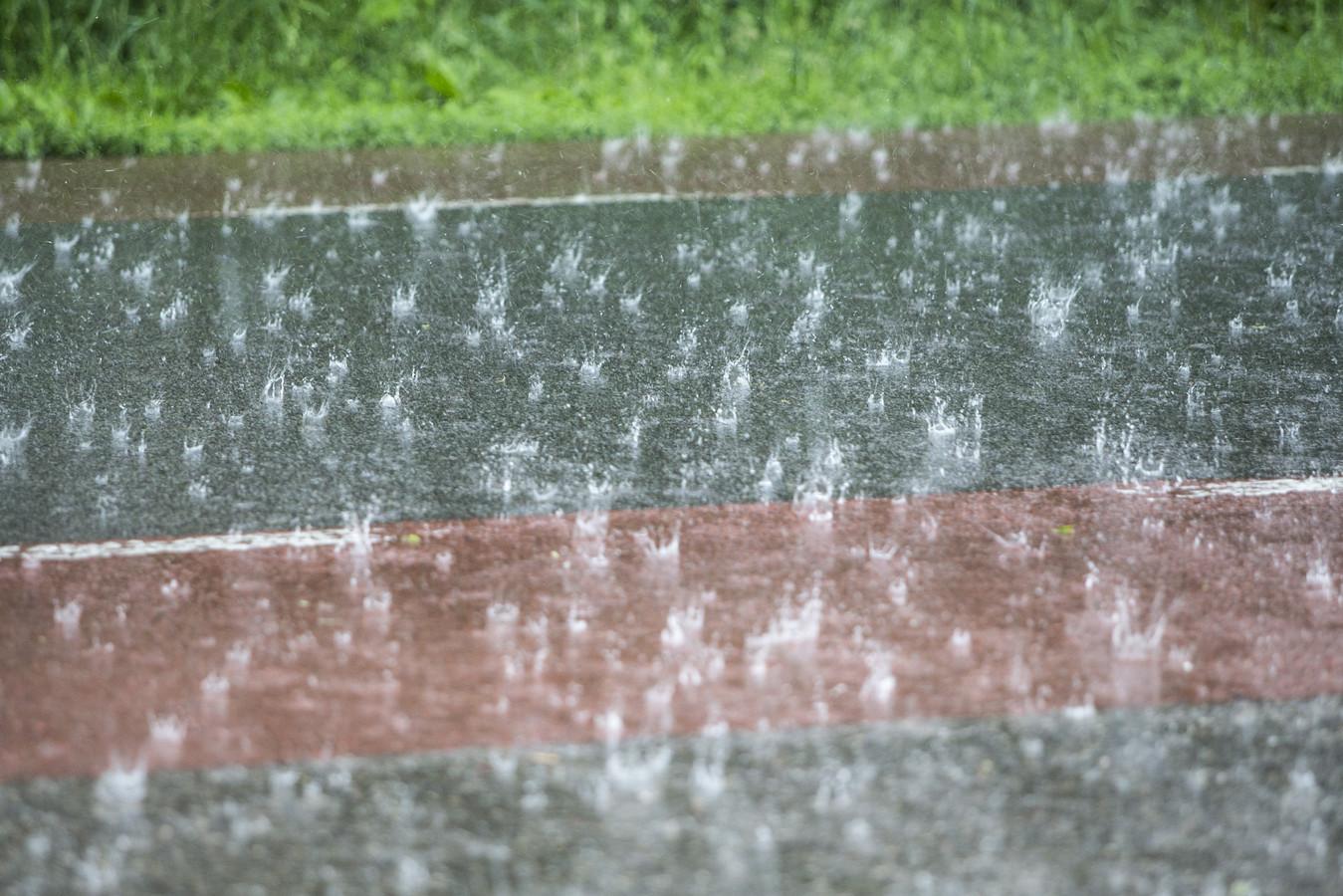 Het regende hard in Leusden.