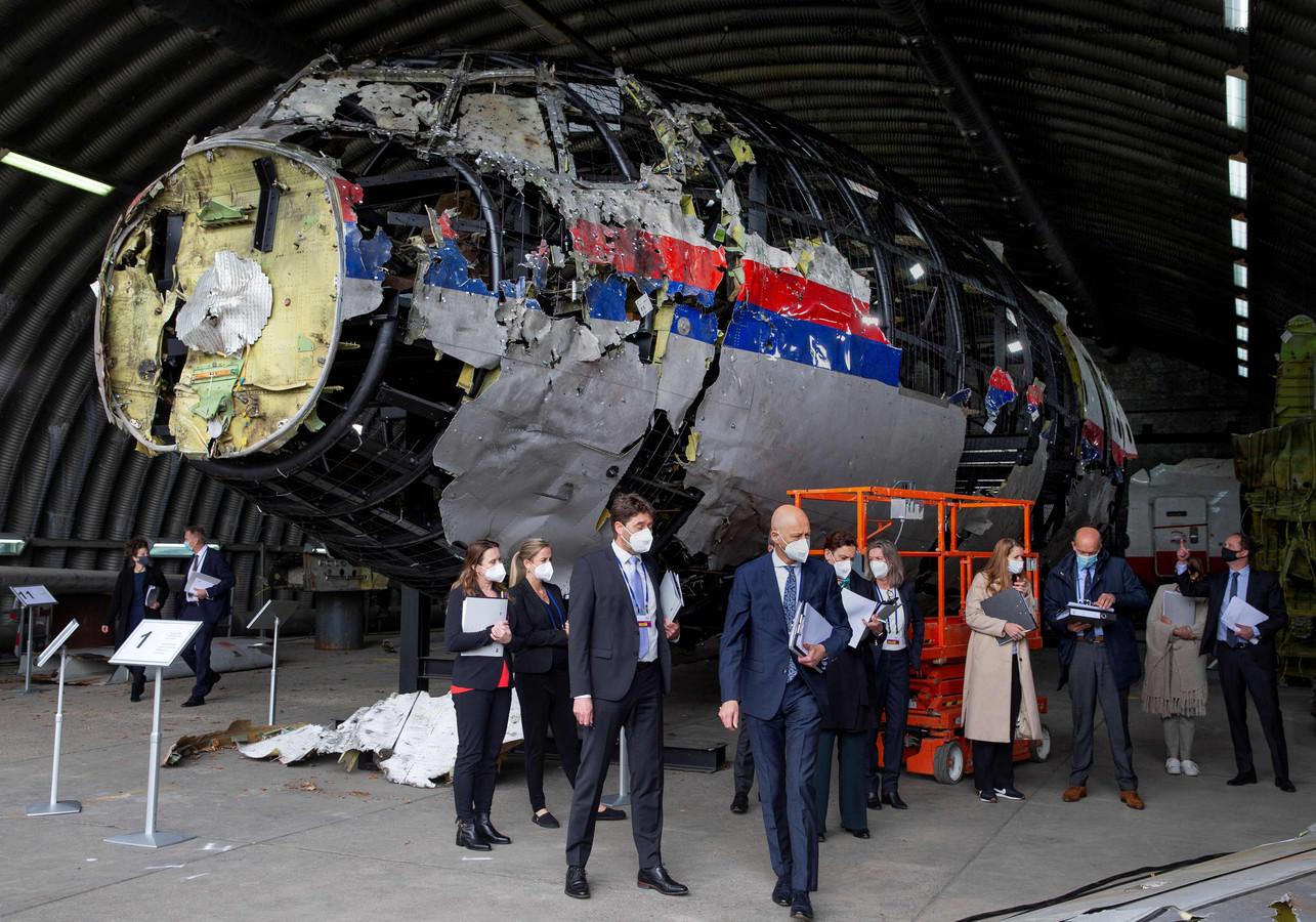Rechters en advocaten deden onlangs een schouw van de reconstructie van het vliegtuig van vlucht MH17