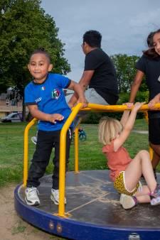 Molukse sportdag in Elst betekent vooral chillen: 'Dit moeten ze beslist vaker doen'