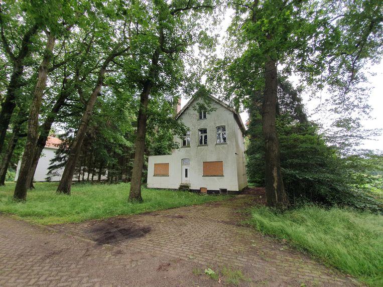 De oude aalmoezenierswoning op de Kolonie van Wortel staat al een tijdje leeg en heeft een meer dan grondige opknapbeurt nodig. Beeld Toon Verheijen