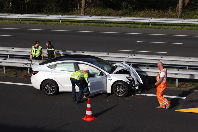 Flinke file na ongeval met twee voertuigen op snelweg A2 bij Boxtel