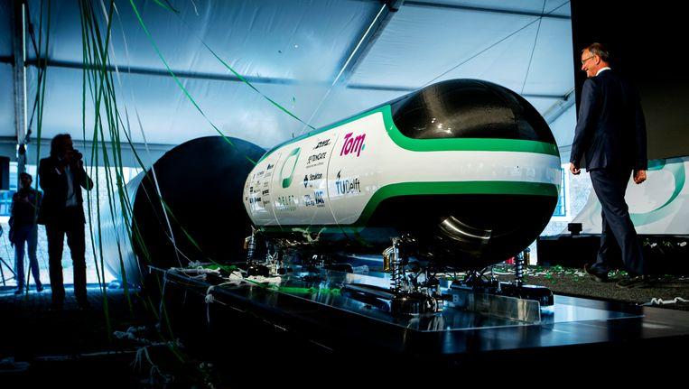 Met deze capsule won het studententeam uit Delft eerder dit jaar de Hyperloop Competition in Californie, georganiseerd door Elon Musk. De studenten hebben hun krachten gebundeld in de start-up HARDT. Beeld ANP