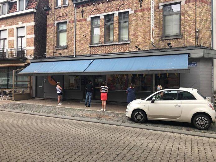 broodjeszaak Krokantje in de Vlamingenstraat. Sedert enkele weken is er ook pasta verkrijgbaar