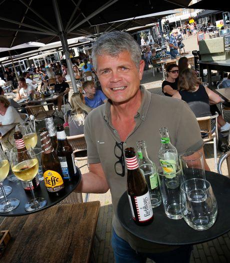 Restauranteigenaar Reggie werkt nu zelf 60 uur per week in de bediening: 'Geen personeel te vinden'