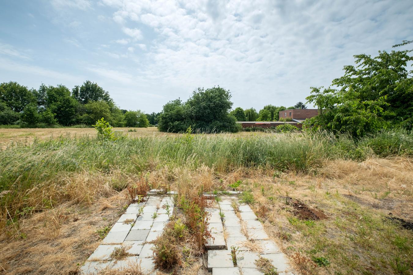 De terreinen langs de Kerkbossenstraat waar 45 sociale woningen zullen worden gebouwd