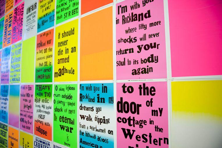 De kleurrijke Singing Posters van Allen Ruppersberg. Beeld BELGAIMAGE