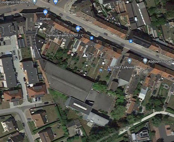 De site van Standplus ligt achter de huizen aan de Diksmuidsesteenweg.