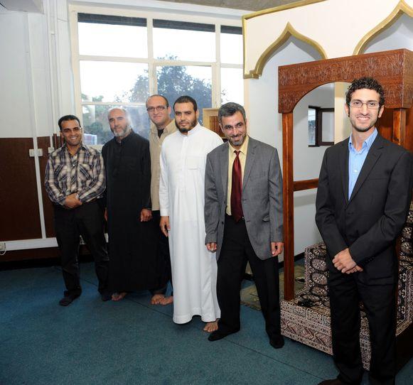 Burgemeester Mohamed Ridouani (sp.a) in de moskee van Al Ishaan in Leuven. Volgens de meerderheidspartijen is de handelswijze van N-VA Leuven een persoonlijke aanval op Mohamed Ridouani.