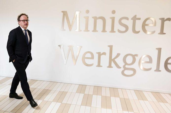 Minister Wouter Koolmees van Sociale Zaken en Werkgelegenheid gaf vandaag tekst en uitleg over het besluit om pensioenfondsen opnieuw extra respijt te geven.