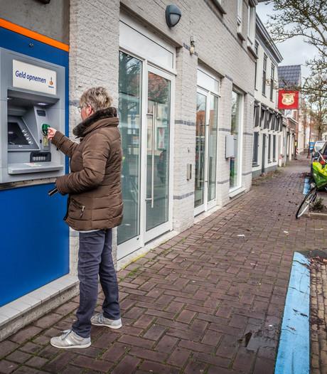 Rabobank sluit weer drie pinautomaten