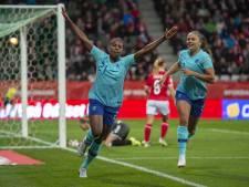 Beerensteyn helpt Leeuwinnen langs Denemarken en stap dichter bij WK