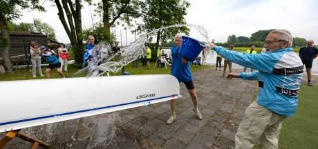 Roeivereniging De IJssel kan eindelijk varen in nieuwe boot