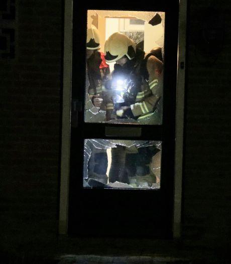 Bewoners schrikken wakker van harde knal in Sambeek: woning beschadigd door explosie