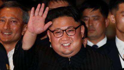 Kim Jong-un doet avondwandeling in Singapore en wordt er toegejuicht als popster