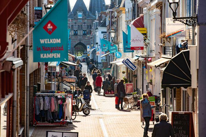 De Geerstraat is al bijna zoals 'ie moet zijn: een 'gevarieerde centrumstraat'.