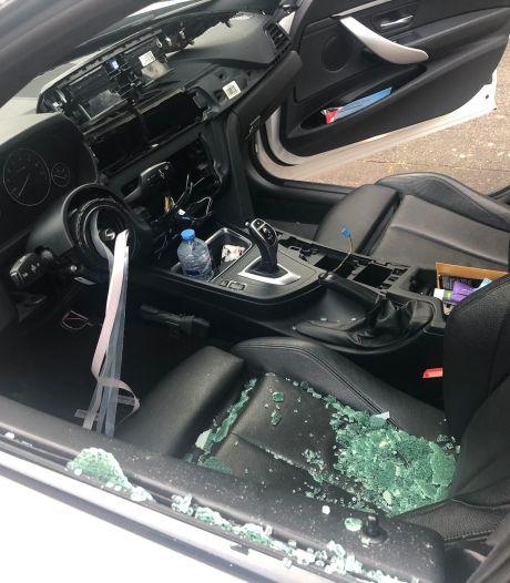 Meerdere BMW's compleet gestript: veel schade en gestolen spullen
