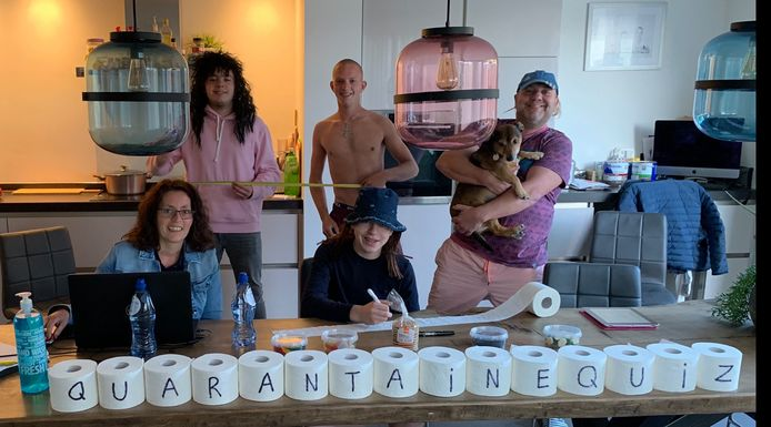 Een van de 713 deelnemende groepen aan de Herveldse Quarantaine Quiz.