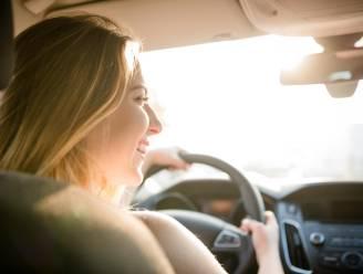 Voor 8 op de 10 jonge bestuurders is autorijden zonder muziek 'onmogelijk'