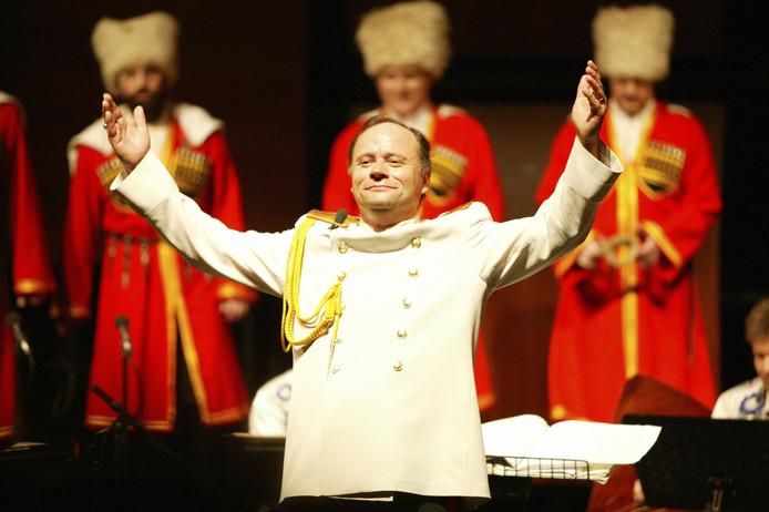 Na afloop kreeg het Don Kaskenchor het publiek met Kalinka op de banken.