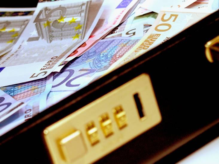 16 mannen aangehouden voor illegaal gokken in voormalige horecagelegenheid Eindhoven