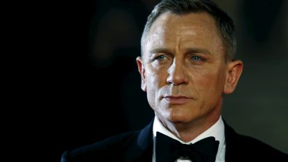 Daniel Craig stoot Roger Moore van de troon als de ultieme James Bond