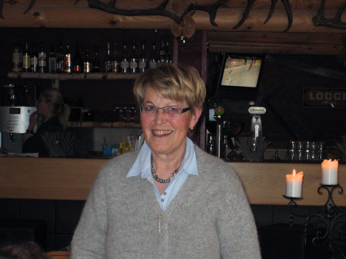 Henny van der Heijden nam met de experts van Independer haar zorgverzekering door. Ze betaalt nu 48 euro minder per maand.