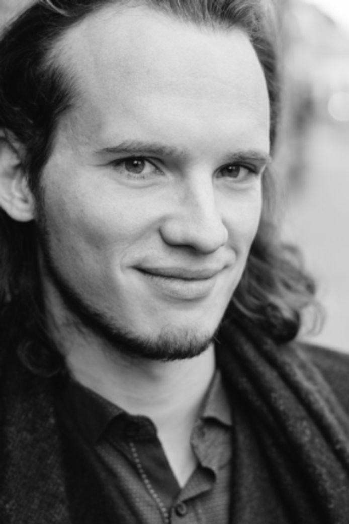 Sil van den Hout is een van de tien genomineerden voor de Jacques de Leeuw Prijs. Die prijs wordt 2 juli uitgereikt.