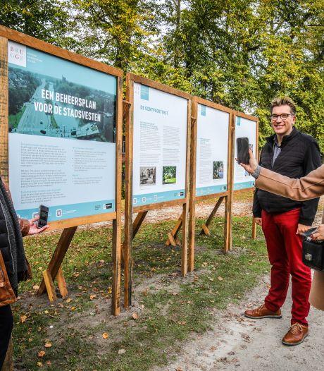 """Op acht plaatsen langs Brugse Vesten staan nu infoborden en QR-codes: """"Beheerplan voor de komende 24 jaar nodig"""""""