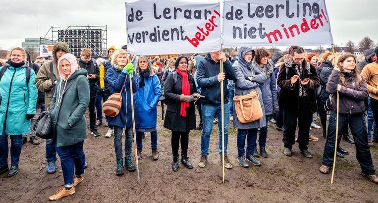 Leraren in maart 2019 op het Malieveld in Den Haag. Donderdag wordt voor de derde keer in een jaar gestaakt in het onderwijs.  Beeld Raymond Rutting / de Volkskrant